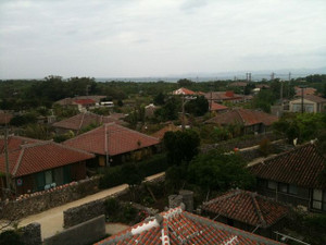Red_roofs_1